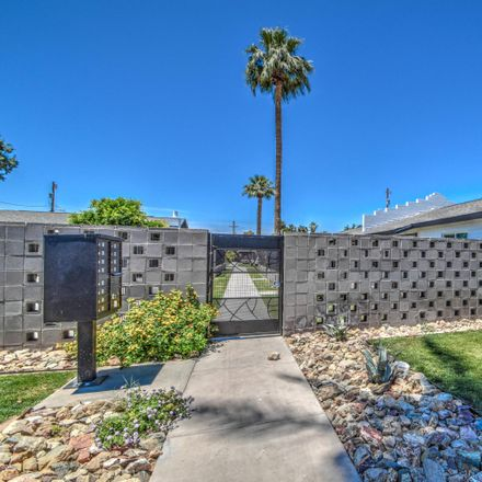 Rent this 1 bed townhouse on Tower Plaza Shopping Center in 3136 North 37th Street, Phoenix