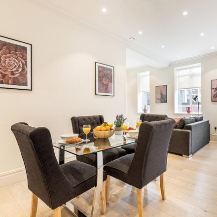 Rent this 1 bed apartment on 12 Devereux Ct in Holborn, London WC2R 3JJ