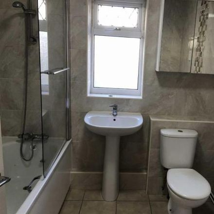 Rent this 3 bed house on Caersalem Newydd (S) in Llangyfelach Road, Swansea SA5 9AX