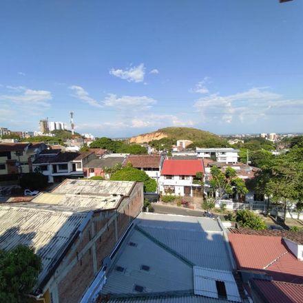 Rent this 3 bed apartment on Avenida 9A Norte in Comuna 2, 760050 Perímetro Urbano Santiago de Cali