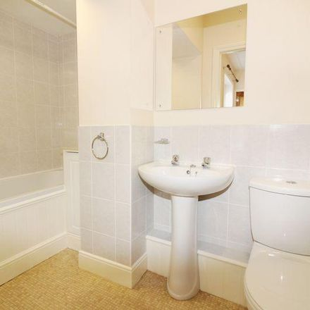 Rent this 1 bed apartment on Kingdom Hall Of Jehovah's Witnesses in 70 London Road, Tunbridge Wells TN4 0PA
