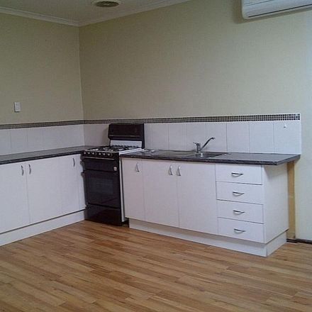 Rent this 2 bed apartment on 76a Doveton Avenue