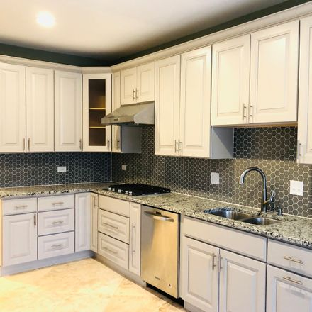 Rent this 4 bed townhouse on 728 Red Oak Court in Naperville, IL 60563