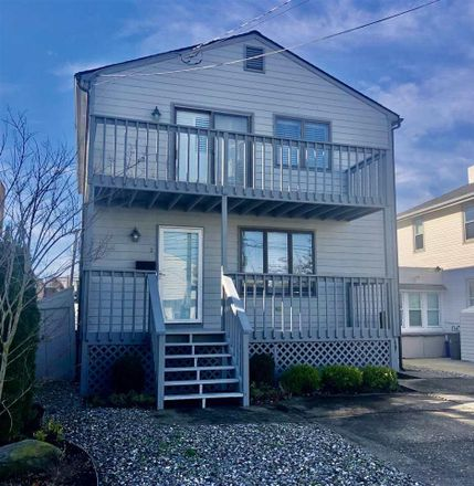 Rent this 3 bed house on Margate Blvd in Margate City, NJ