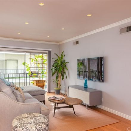 Rent this 1 bed condo on 1115 South Elm Drive in Beverly Hills, CA 90035