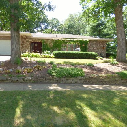 Rent this 5 bed house on 2201 Country Knoll Lane in Elgin, IL 60123