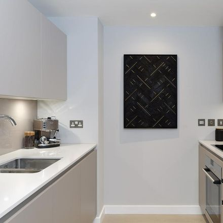Rent this 1 bed apartment on London SE11 4FE