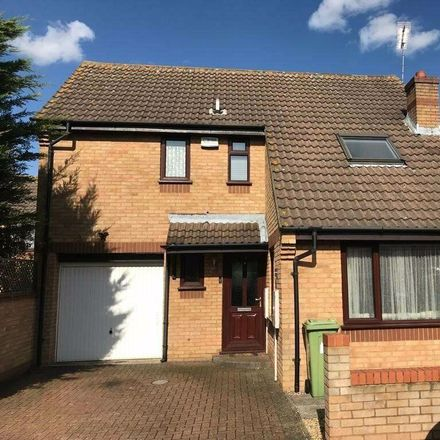 Rent this 3 bed house on Underwood Place in Milton Keynes MK6 2SJ, United Kingdom