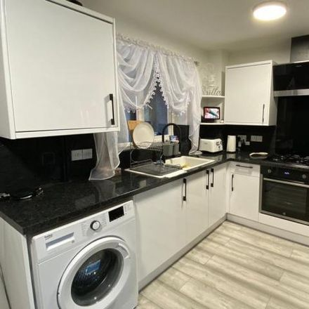 Rent this 3 bed house on Chatsworth Road in Great Oakley, NN18 8RH