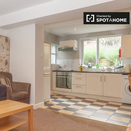 Rent this 2 bed apartment on Chamberlain Court in Richmond Avenue, Drumcondra South A ED