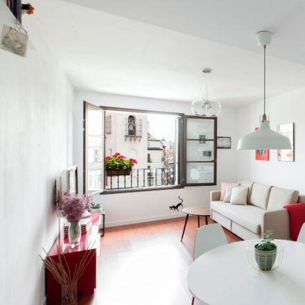 Rent this 1 bed apartment on Naif in Calle de San Joaquín, 16
