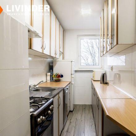 Rent this 3 bed apartment on Kaufland in Mieczysławy Ćwiklińskiej 14, 30-838 Krakow