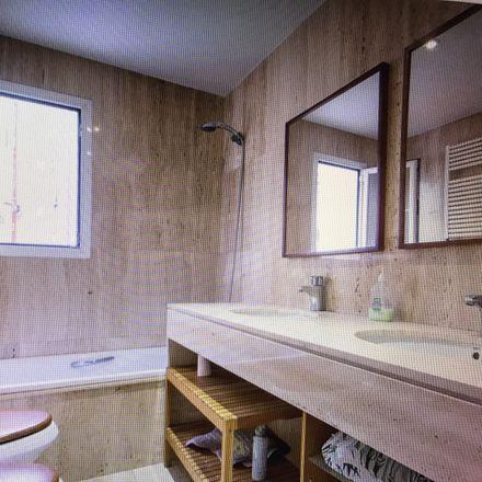 Rent this 1 bed room on calle antonio lopez 68