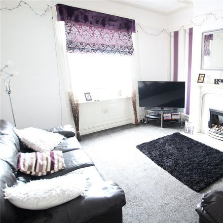 Rent this 2 bed apartment on Savile Park Road in Calderdale HX1 2XH, United Kingdom