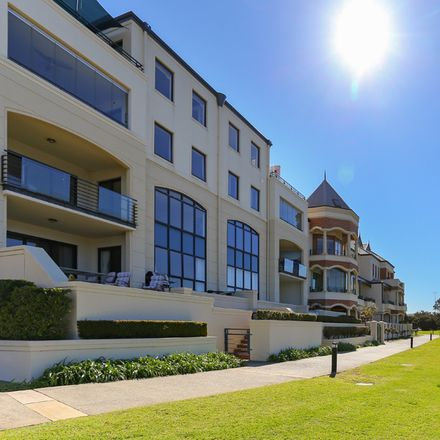 Rent this 3 bed apartment on 12/10 Doepel Street