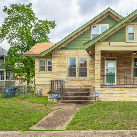 Rent this 4 bed house on 1203 Chamberlain Avenue in Chattanooga, TN 37404