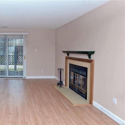 Rent this 2 bed condo on 1329 Prospect Village Ln in Ballwin, MO