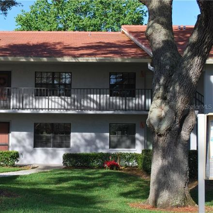 Rent this 2 bed condo on Lakeview Dr in Clearwater, FL