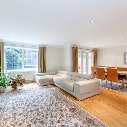 Rent this 4 bed house on Elmbridge KT13 0HB