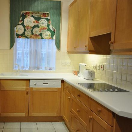 Rent this 2 bed apartment on Holloway Drive in Runnymede GU25 4SY, United Kingdom