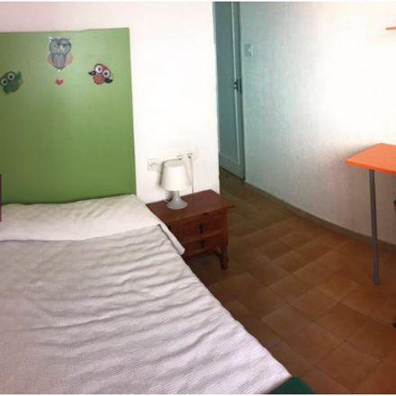 Rent this 15 bed room on Calle Conde de Robledo in Córdoba, España