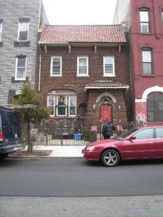 Rent this 6 bed townhouse on 180 Suydam Street in New York, NY 11221
