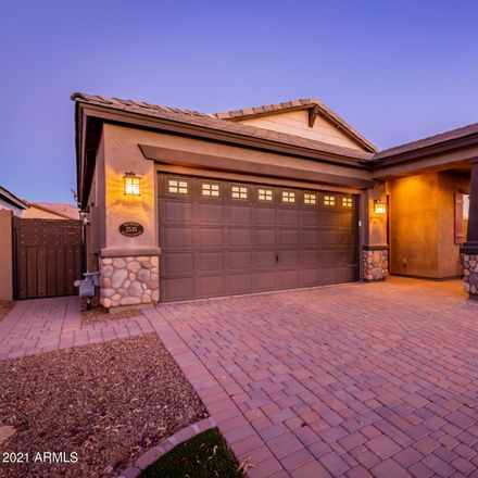 Rent this 3 bed house on 2535 South Sabrina in Mesa, AZ 85209