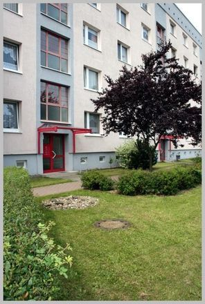 Rent this 3 bed apartment on Gartenstraße 2E in 01612 Nünchritz, Germany