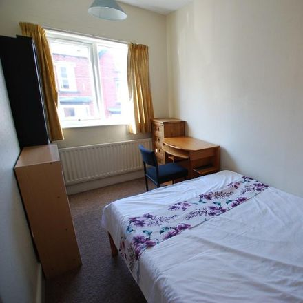 Rent this 6 bed house on The Nook in Sheffield S10 1EJ, United Kingdom