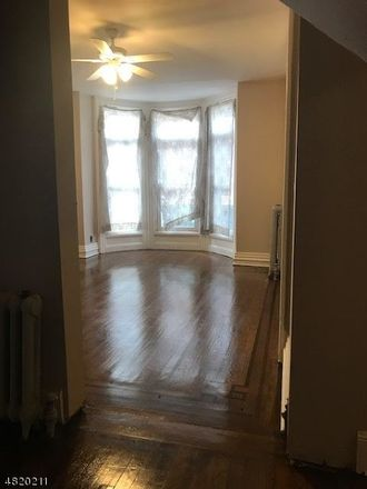 Rent this 3 bed townhouse on Jacques St in Elizabeth, NJ