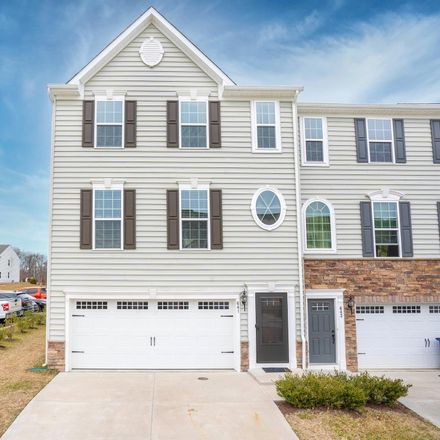 Rent this 3 bed townhouse on Bear Rd in New Castle, DE