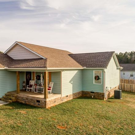 Rent this 3 bed house on W Creek Dr in Trenton, GA