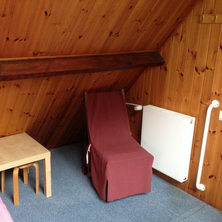 Rent this 4 bed room on Cederlaan 32 in 1640 Sint-Genesius-Rode, Belgium
