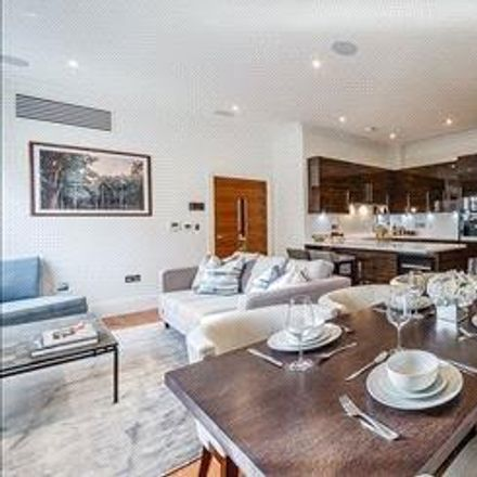 Rent this 3 bed apartment on Rainville Road in London W6 9HN, United Kingdom