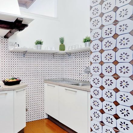 Rent this 0 bed room on Osteria 140 in oyster bar, Via dei Banchi Vecchi