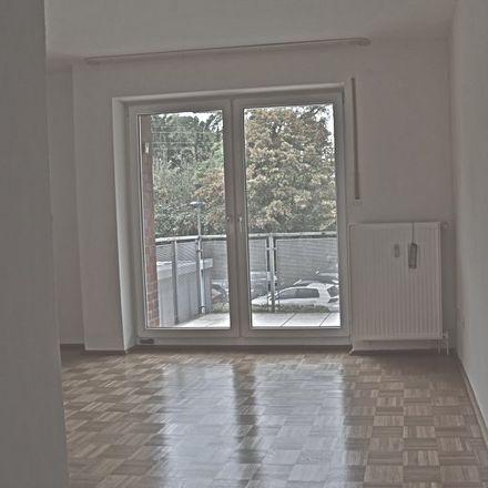 Rent this 3 bed apartment on Sparkasse Essen - Filiale Dellwig in Donnerstraße 135, 45357 Essen