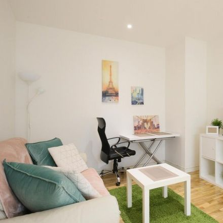 Rent this 1 bed apartment on 28001 Madrid