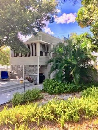 Rent this 1 bed apartment on 8th St N in Saint Petersburg, FL