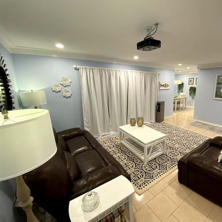 Rent this 2 bed condo on Cortez Cir in Tampa, FL