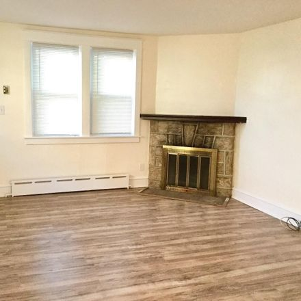Rent this 3 bed house on 267 West Greenwood Avenue in Lansdowne, PA 19050
