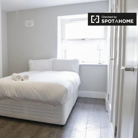 Rent this 1 bed apartment on Platform 5 in Preston Street, North Dock
