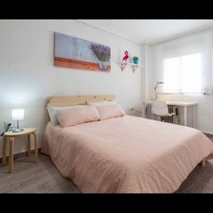 Rent this 1 bed room on Plaça del Pintor Anglada in 46022 Valencia, Spain