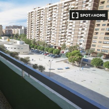 Rent this 4 bed apartment on Camí del Cabanyal in 30, 46022 Valencia