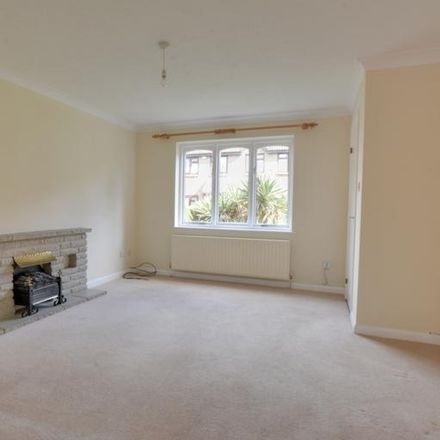 Rent this 3 bed house on Windmill Court in Crawley RH10 8NA, United Kingdom