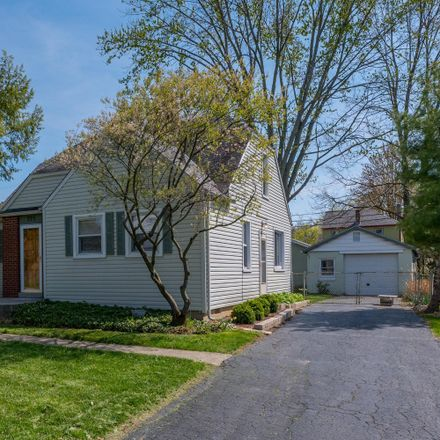 Rent this 3 bed house on 595 Fallis Road in Columbus, OH 43214