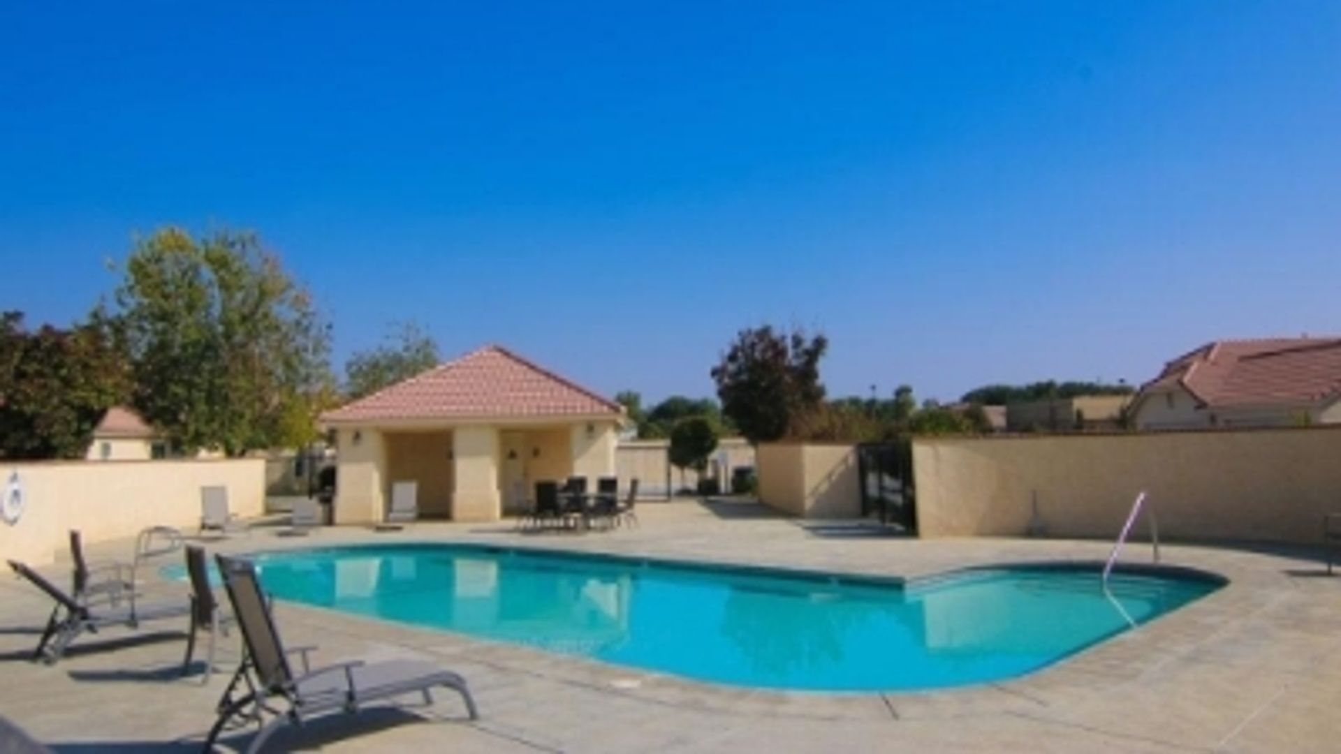 2 bed apartment at Brimhall Road, Bakersfield, CA 93312 ...