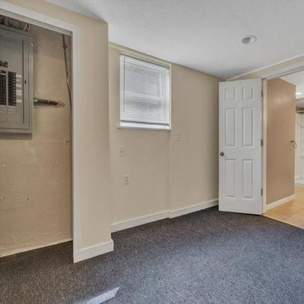 Rent this 3 bed house on 3139 Oliver Road Northeast in Roanoke, VA 24012