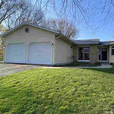 Rent this 3 bed house on 4531 East Oak Lane in Windsor, WI 53598