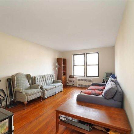 Rent this 2 bed condo on Woodhaven Boulevard in Jamaica Avenue, New York