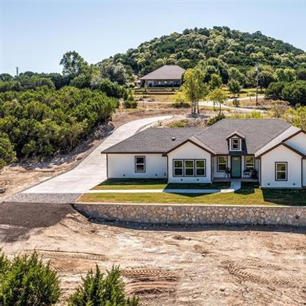 Rent this 3 bed house on Sterling Rd in Granbury, TX